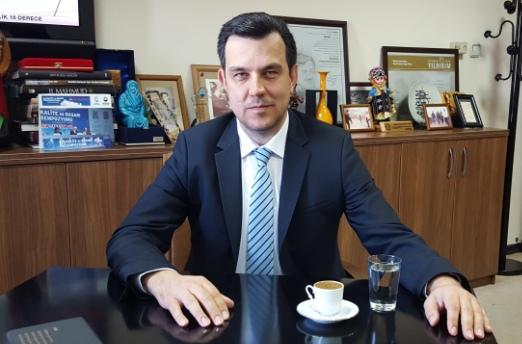 DR. MUSTAFA ESGİN